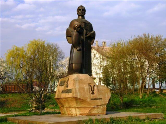 Пам'ятник князеві Васильку в Теребовлі andy-travel.com.ua