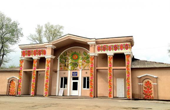 Будинок культури Фото: Ігор Лісний з сайту espreso.tv