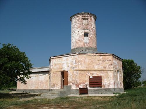 В цій будівлі розташовується музей міста Ольвії. Фото з сайту wikipedia.org